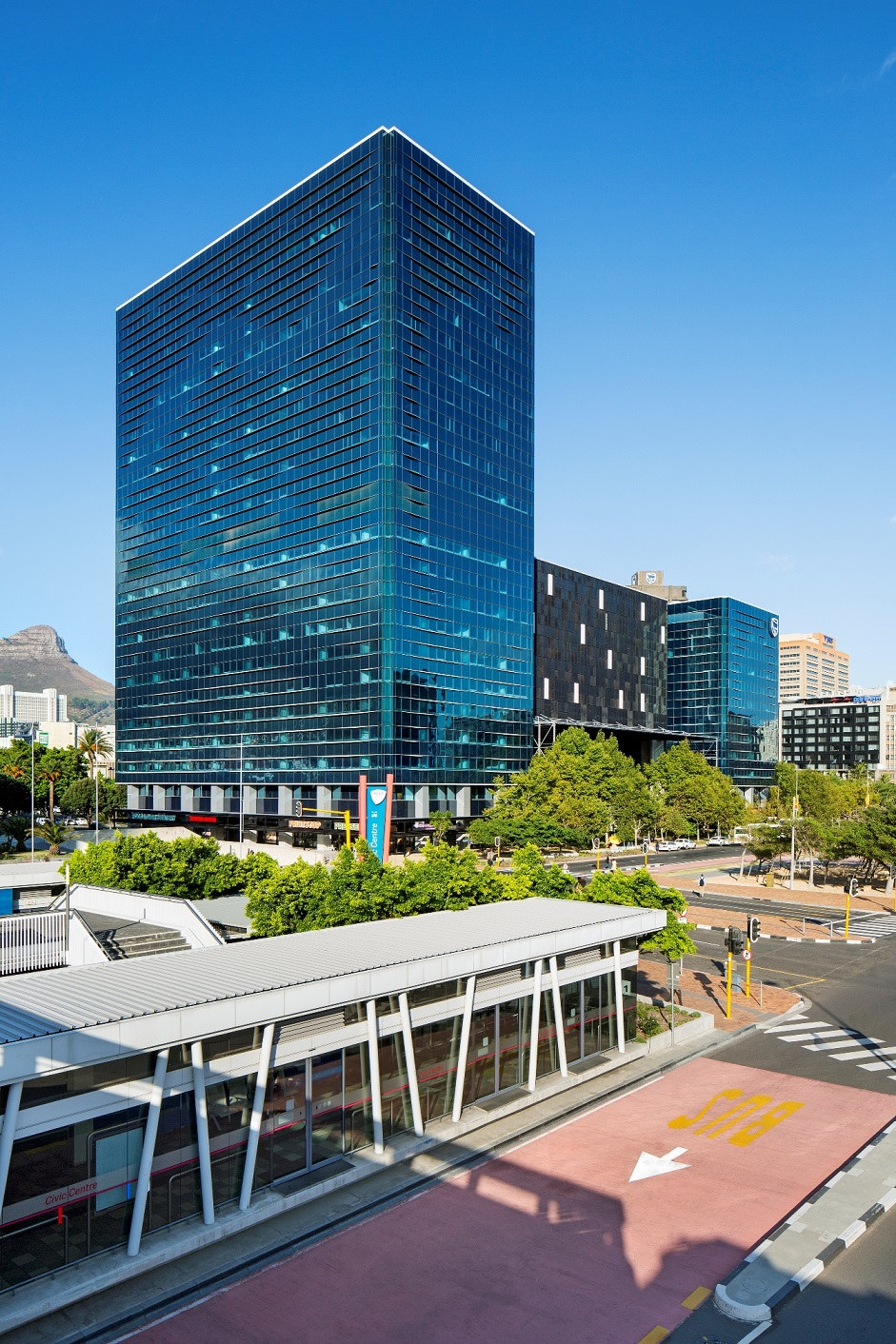 STANDARD BANK TOWERS - CAPE TOWN
