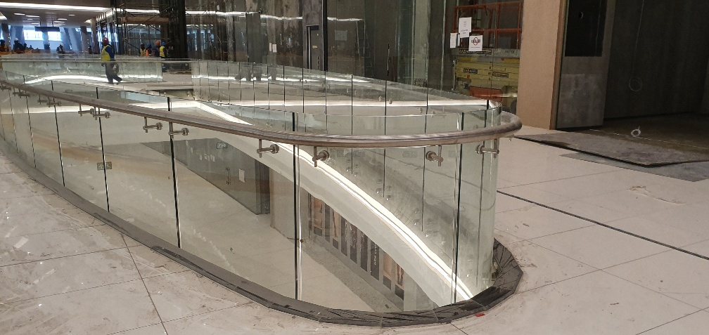 FOURWAYS MALL CURVED BALUSTRADE